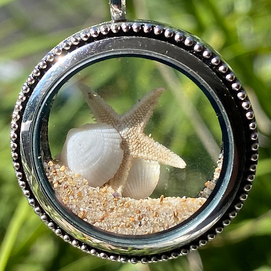 Dreaming of the Sea Locket (D)