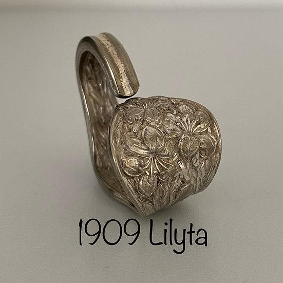 '1909 Lilyta' Silver Spoon Handle Heart