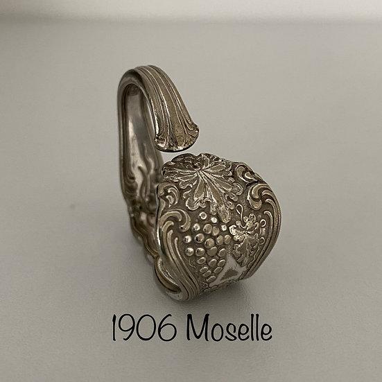 '1906 Moselle' Silver Spoon Handle Heart