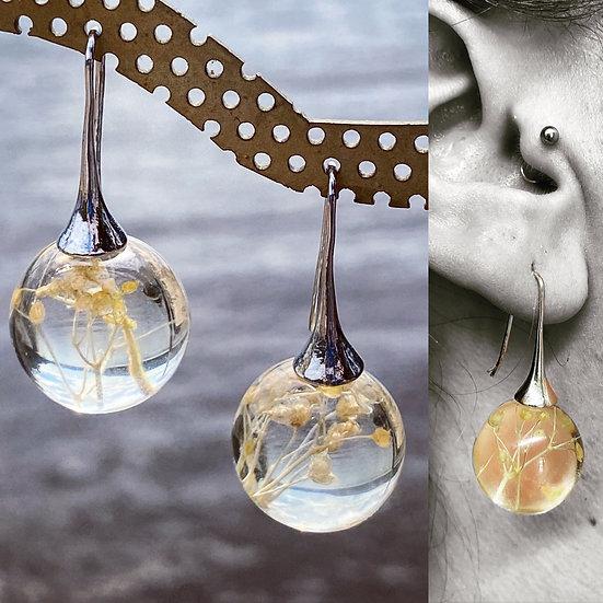 Resin Bauble Earrings 'White Flower'