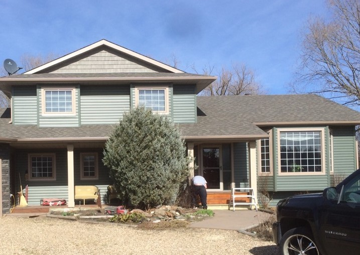 Roofing, Siding, Eavestroughs