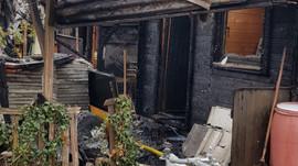 Brand auf dem Areal zerstört  mehrere Häuschen