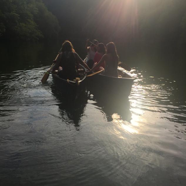 Canoe trip on the lake (c). Lisa Chapman