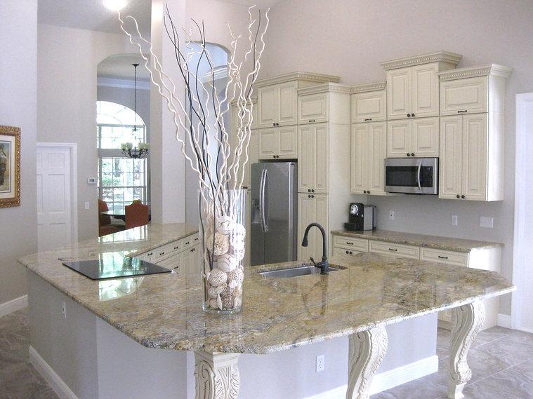 Orlando Winter Park Kitchen and Bath Cabinets