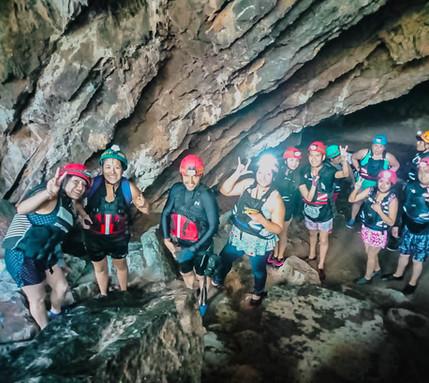 Atraviesa una cueva