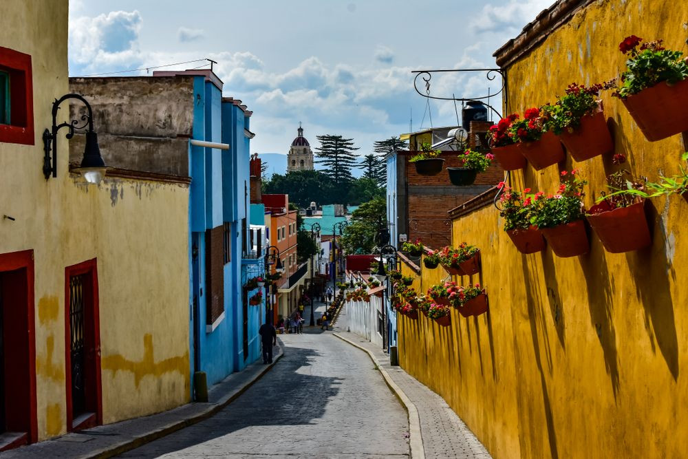atlixco-de-las-flores-calles-shutterstoc