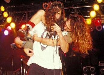 Temple of The Dog: lembrando de quando Eddie Vedder chegou na cena grunge.