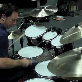 """Smashing Pumpkins: """"saí da banda em 2009 para cuidar da minha família"""", disse o baterista"""