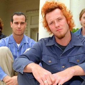"""Stone Temple Pilots: """"fico triste que Scott não está conosco para relançar o disco 'Tiny Music...'"""""""
