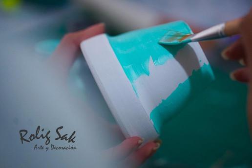 Pintando en el taller 1.jpg