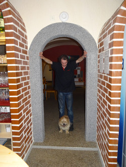 Číšník Tomáš a pes Piškot