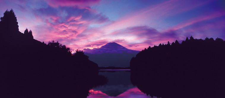 富士は晴れたり日本晴れカレンダー2020は6番目の月◎水無月となります٩( 'ω' )و //