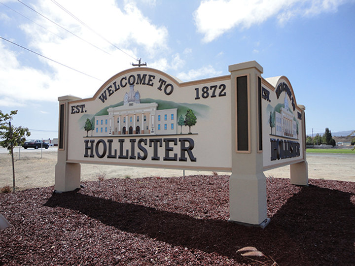 Hollister, California Sign