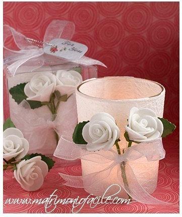 Candela rose bianche