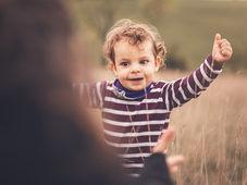 Kind im Feld (1 von 1).jpg