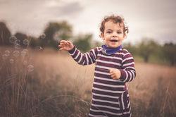 Kind im Feld (1 von 1)-2.jpg
