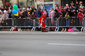 Macy's Macys Thansgivin Day parade kids travel family families front row parade route