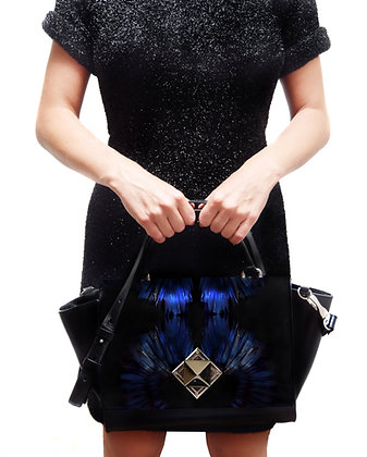 BLUE FEATHERS PRINT LEATHER PYRAMID CLASP HANDBAG