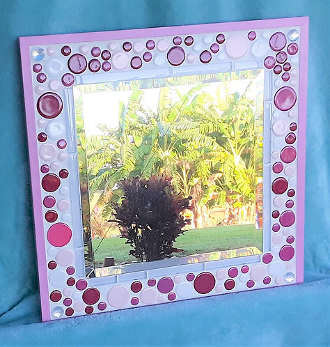 Little Girls pink mirror with round tile