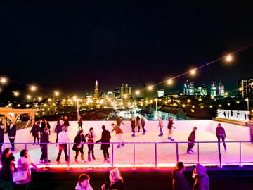 Skylight London - Skating with the skyline