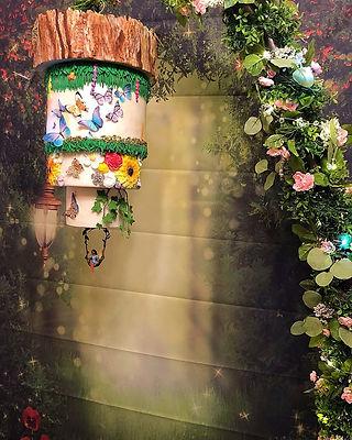Hanging secret garden cake