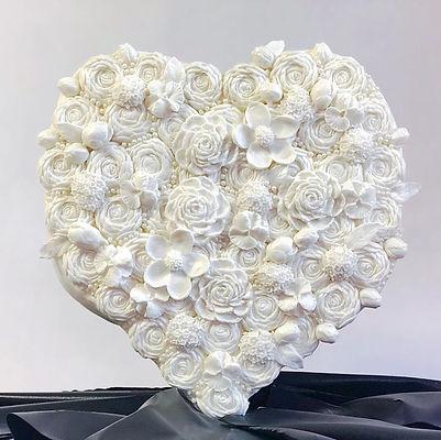 3D sculpted heart cakes