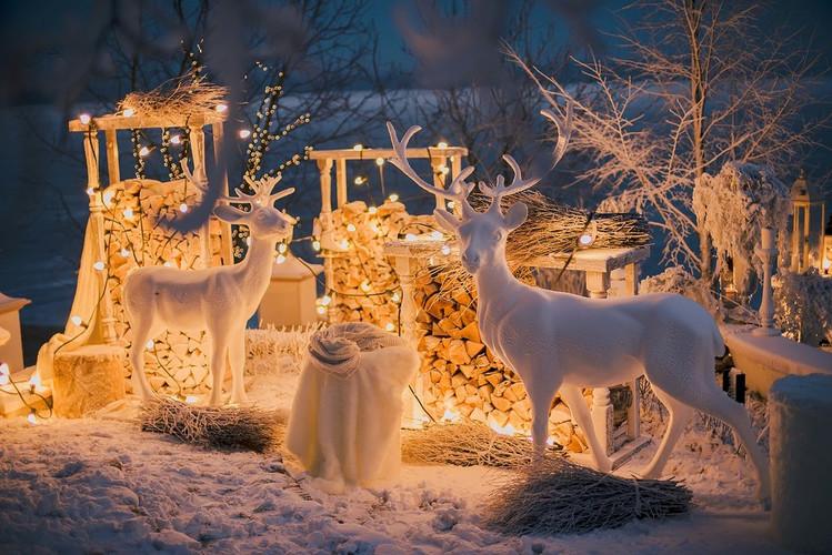 NY decor Moscow.jpg