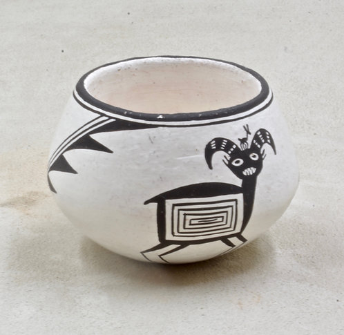 Acoma Pot by Emma Lewis, 1979