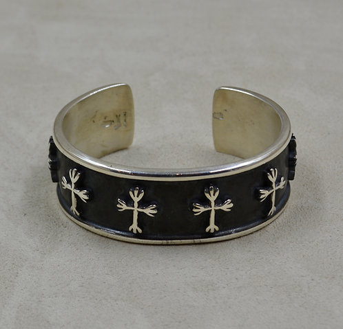 Ladies' Oxidized Sterling Silver Cuff w/ 8 SS Crosses