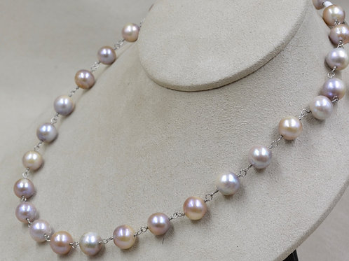 Natural Pearls Necklace by US Pearl Co.
