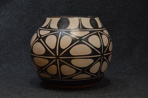 Kewa Traditional Patterned Pot by Robert Tenorio, Santo Domingo Pueblo