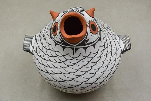 Large White Owl Pot by Avelia Paynetsa