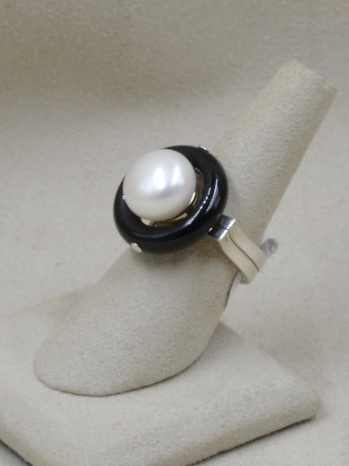 S. Silver, Onyx, & Freshwater 12mm Button Pearl 7x Ring by Reba Engel