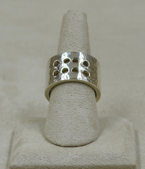 8-Hole Hammered Sterling Silver 9x Ring by Roulette 18