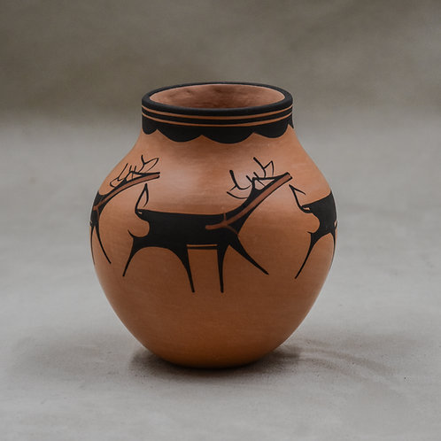 Beige Deer Pot by Anderson Peynetsa