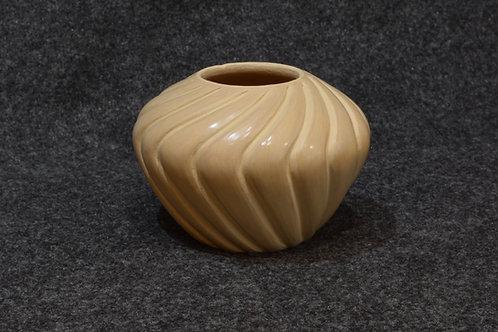 Beige Melon Pot by Pauline Romero - Jemez Pueblo