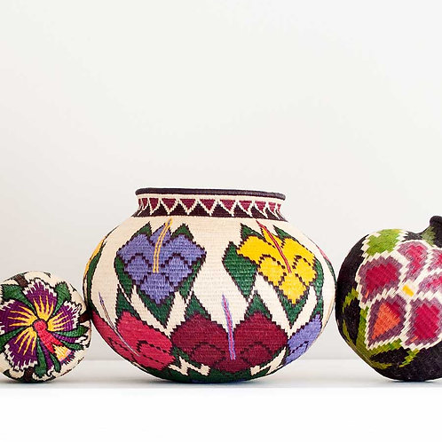 """Geometric Collar Floral Wounaan Basket by Viviana Membache - 6""""W x 4""""H"""