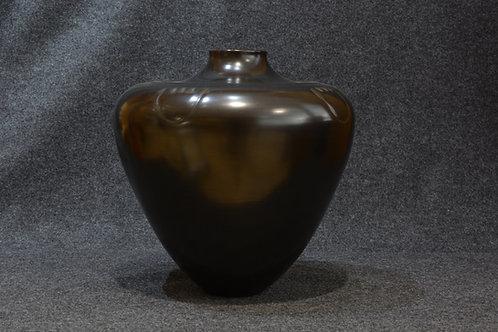 Black Mesa Pot by Joseph and Eunice Naranjo, Santa Clara Pueblo