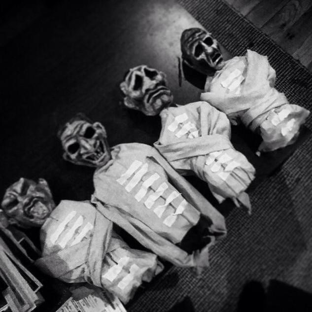 Lunatic puppets