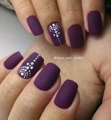 dot nail design
