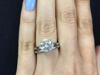 What is the Difference Between an Engagement Ring and a Wedding Ring?