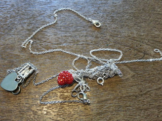 Jewelry Hack: How to Untangle Necklaces