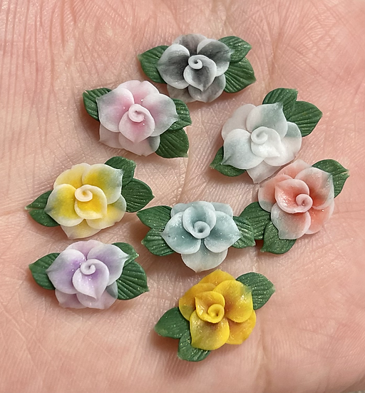 3D Flowers with green petals