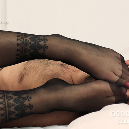 GT044 Killpussy Foot Smother Domination