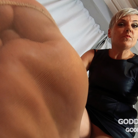 GT033 Bad Mummy Pantyhose Punishment POV Pt2