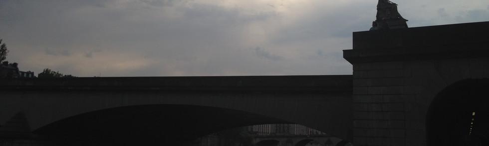 Contre jour du Pont du Carrousel, PARIS, FRANCE, 2017