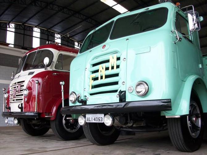 Veja imagens (raríssimas) da Linha de Montagem dos caminhões FNM no Brasil!