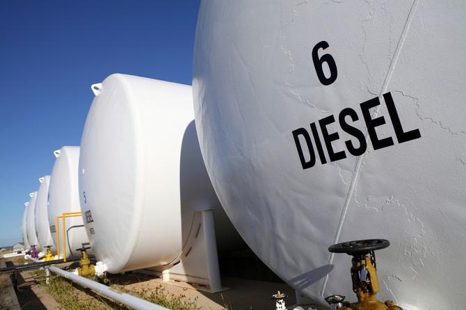 Informativo da CNT avalia prejuízos à economia com diesel superinflacionado