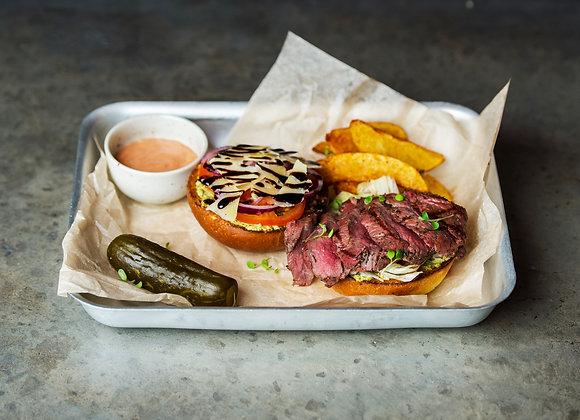 Открытый стейк бургер с ростбифом