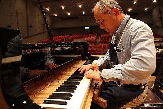 ピアノ調律師 大西拓